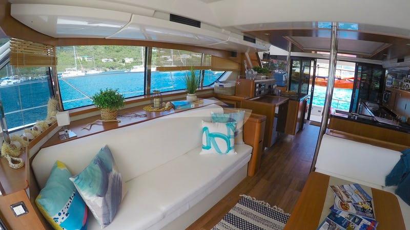 VYVO :: Another Saloon view looking aft