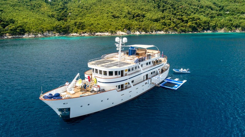Yacht Charter DONNA DEL MARE