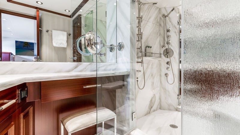 OUR HERITAGE :: Master Bathroom