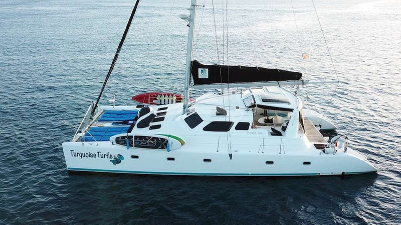 Yacht Charter TURQUOISE TURTLE