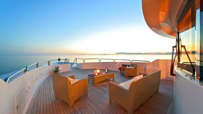 SENSATION :: Deck Seating