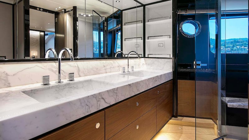 ENIGMA :: Master bathroom