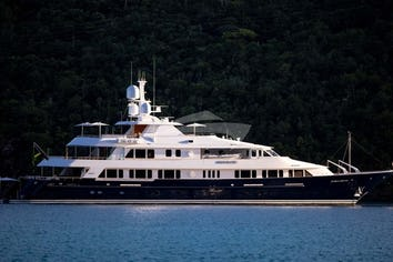 182ft Yacht BROADWATER