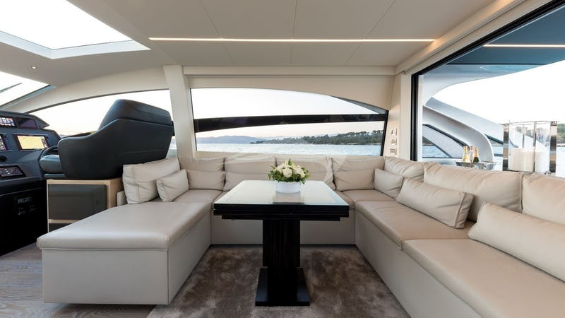 MX5 :: Flybridge Seating