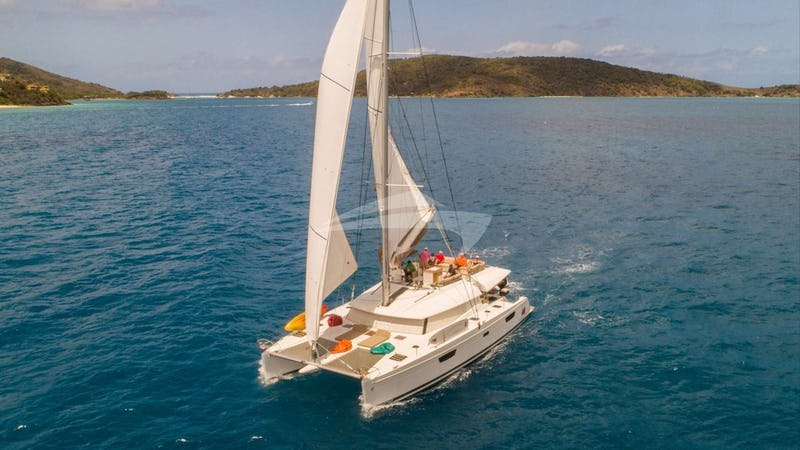 Yacht Charter BLUE PEPPER