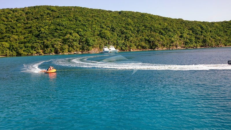 ISLAND TIME :: Love tubing !!