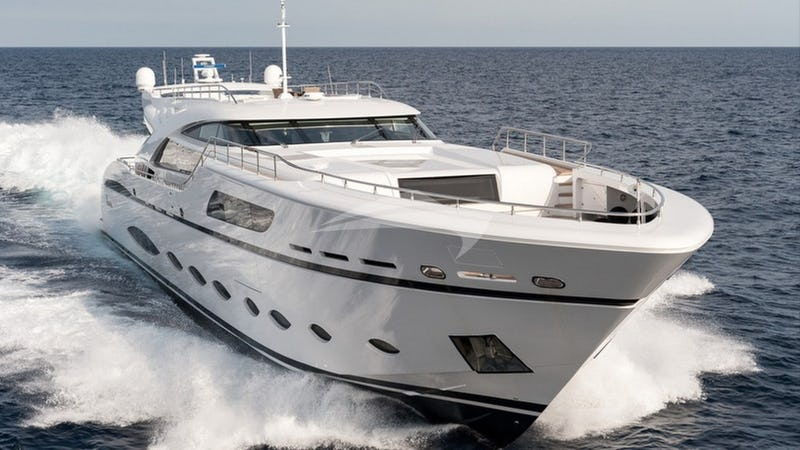 Yacht Charter FAST AND FURIOUS