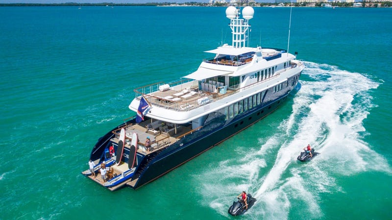 Yacht Charter ICE 5