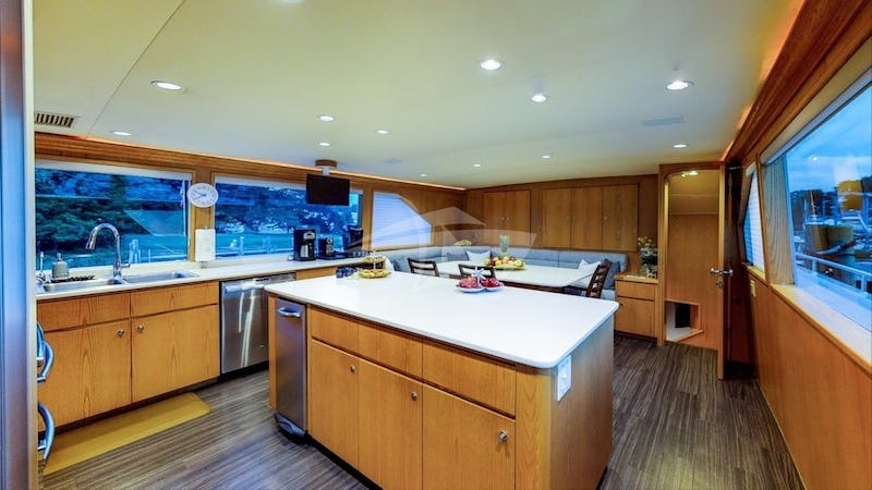 Galley / Country Kitchen