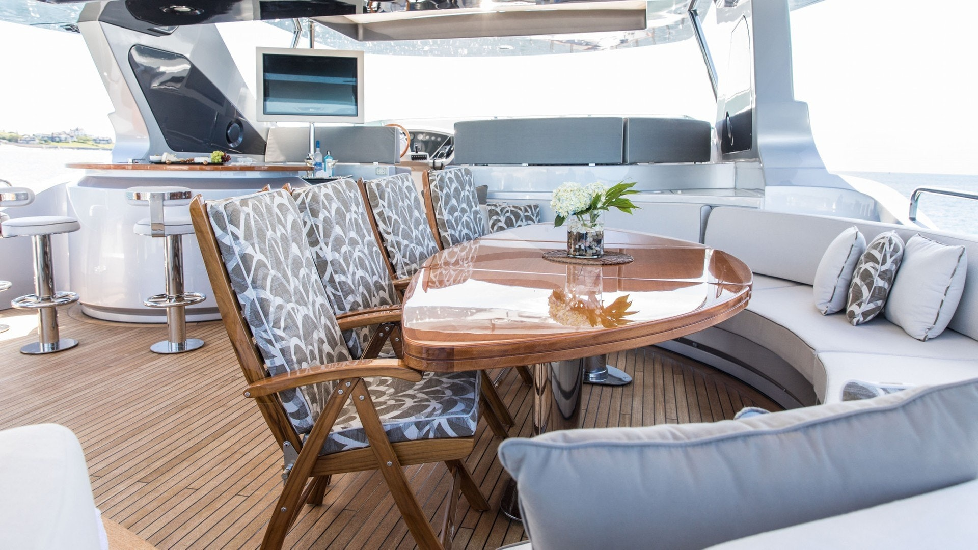 Flybridge Dining and Bar