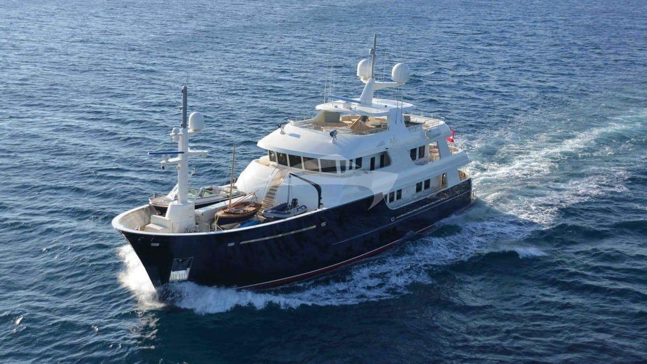Yacht SAFIRA Charter Yacht