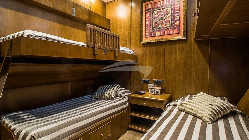Twin Bedroom with Pullman