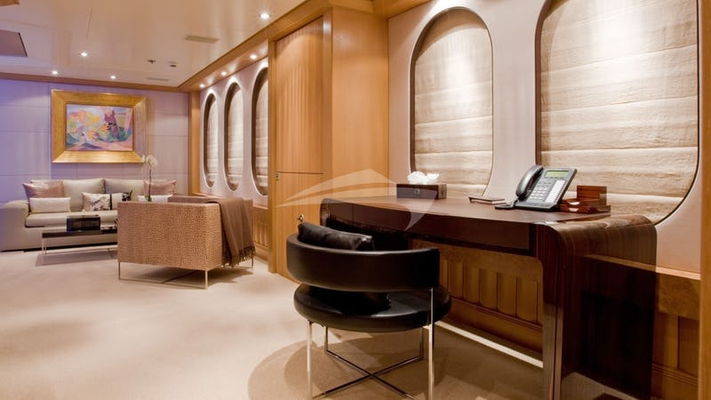 Master Stateroom Office