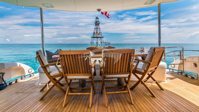 LIVING THE DREAM :: Aft Deck Settee